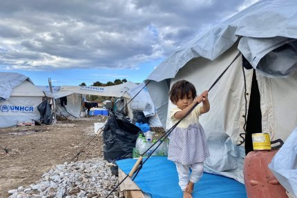 Kryzys humanitarny dotyka także najmłodszych uchodźców z obozu Moria 2.0 na wyspie Lesbos