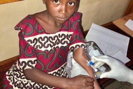 Szpital w Kongu pomaga pacjentom w różnym wieku